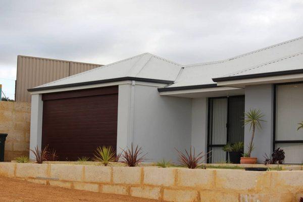bullsbrook-garage-door-repairer-remote-controll_orig